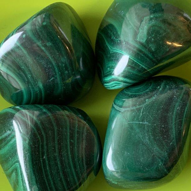 Malakit store meget flot farve 47-50 g